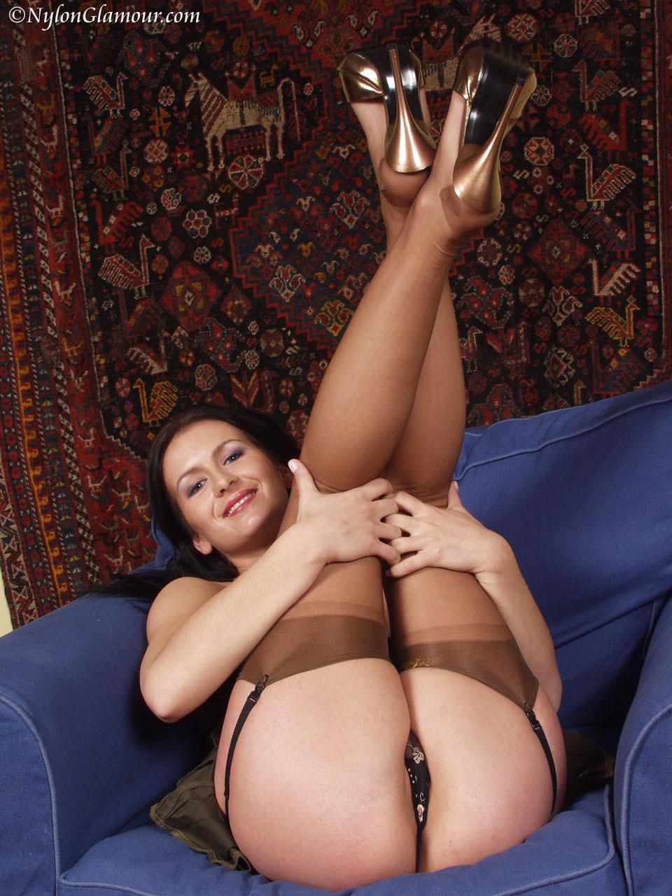 Sexy Nylon Milf Legs